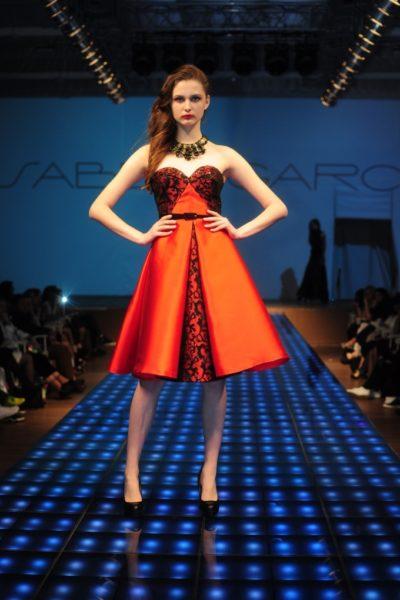 Свои коллекции на подиуме демонстрировали не только дизайнеры одежды, но  даже дизайнеры обуви и аксессуаров. 67f70dd7858